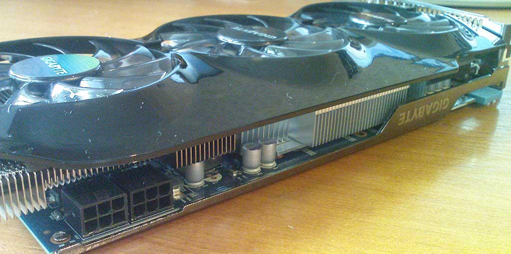 GIGABYTE Radeon HD7870 вид сбоку